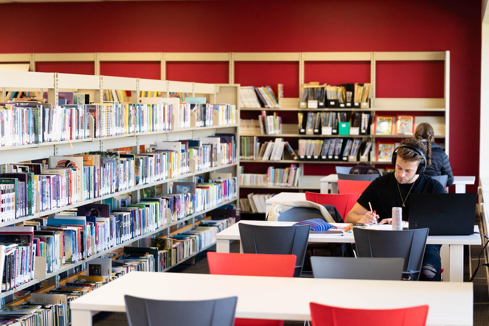 Bibliothèque municipale Saint-Bruno-de-Montarville